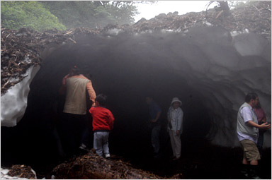 北海道道北情報 氷のトンネル